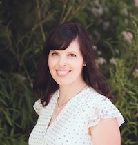 Sarah Moore of newleafbooknook.com